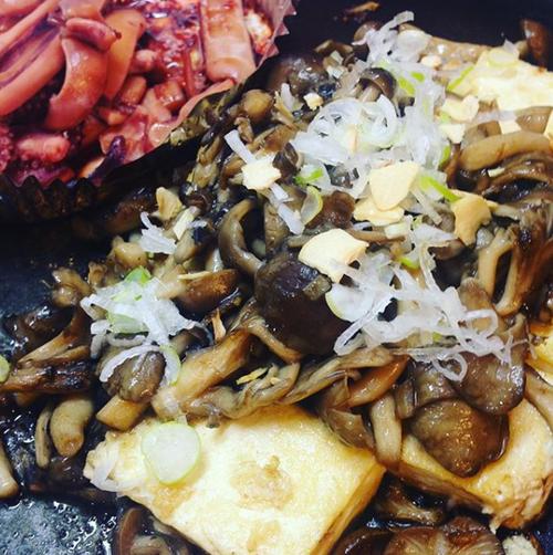 昭和屋工業,アツアツ鉄板,オサエちゃん,インスタ,インスタグラム,@teppan-shouwaya,ぎょうざ,ギョウザ,肉巻き,野菜,焼き,ピーマンの肉詰め