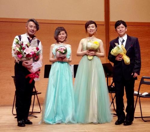 東京オカリナカルテット 広島公演にて。ひだりから大沢聡先生、柿内美緒さん、弓場さつきさん、加々美治さん。