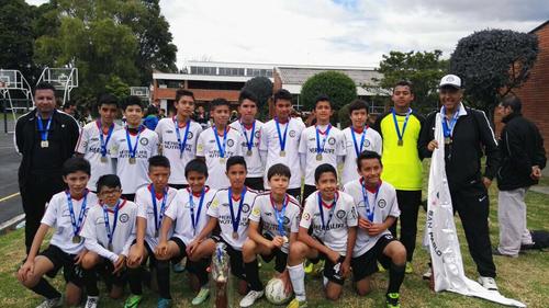 Escuela de futbol San Pablo-Bogotá, Campeones Copa Suárez, categoría Infantil 2004 de la Bogotá Premier Cup. Octubre 14 de 2017