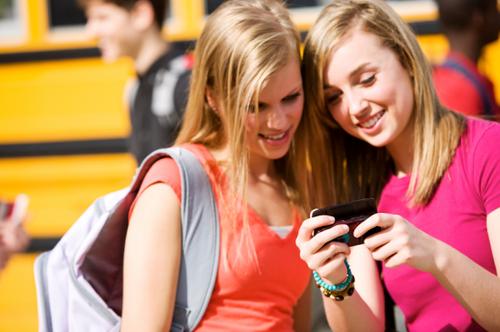 pratiques des ados sur les réseaux sociaux en 2013 2014