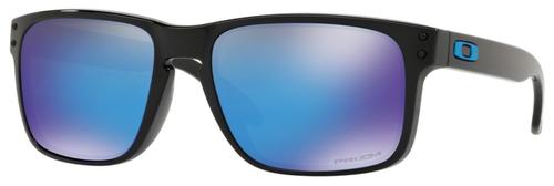 Occhiali da sole uomo Oakley Modello: 9102 HOLBROOK Colore: 9102F5 nero. Colore lenti: blu prizm sapphire. Calibro 55-18. Forma: squadrato. Materiale: plastica. Protezione UV 100%