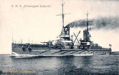 Schlachtschiff SMS Prinzregent Luitpold auf Fahrt, ohne den zunächst vorgesehenen Diesel-Großmotor.