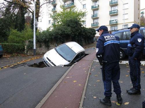 J'ai un trou... est-ce à Saint-Germain-en-Laye ou à Nogent-le-Rotrou..?