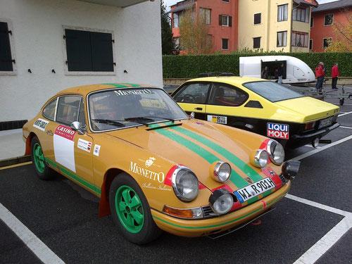 Zwei Team-Fahrzeuge vom IAC-Wiesbaden. Der PORSCHE 911 von Norbert Drexel/Christian Rössler und der OPEL Kadett GT/E von Uwe Gregori/Luca Gregori.n