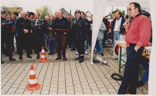 Vor dem Start, Fahrerbesprechung mit Fahrtleiter Werner Mayer, am Otto-Buckel-Platz in LU-Friesenheim
