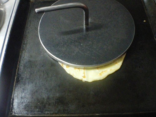 アツアツ鉄板 タコス オサエちゃん アツアツ鉄板 タコス オサエちゃん トルティーヤ サルサソース 鉄板焼き プレス料理 レシピ 作り方 パーティー料理