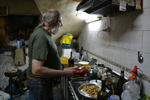 Alberto cocinando