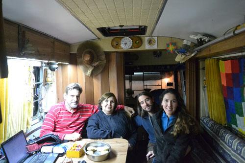 Con José y Adriana en Lequetán, su motor home