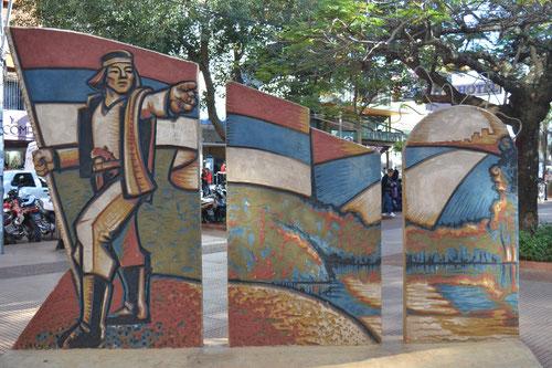 Escultura de la fusión Argentino-Paraguaya