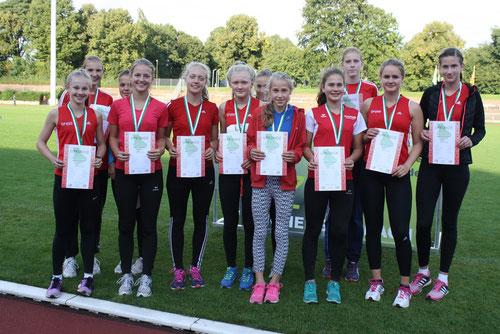 Ebenfalls Silber erkämpften sich die Mädchen U16 der StG Rhede-Sonsbeck.