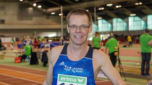 Der 55-jährige Reiner Heweling zündete in Erfurt den Turbo ein und distanzierte die Konkurrenz über 60m und 200m. (Foto: Roman Buhl)