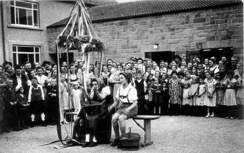 Schulhauseinweihung in Derdingen 1937