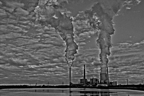 Kraftwerk Voerde in sw