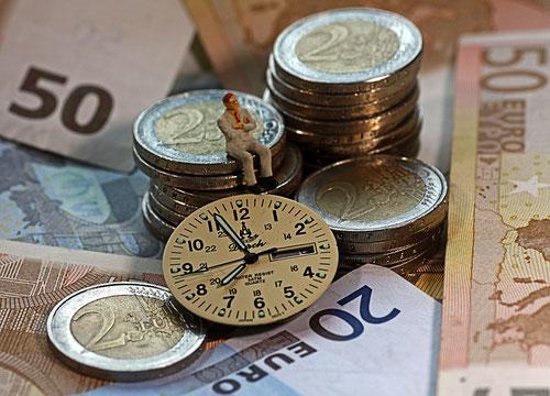 Zeit und Geld bestimmen unser Leben