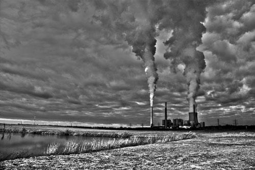 Kraftwerk Voerde monochrom