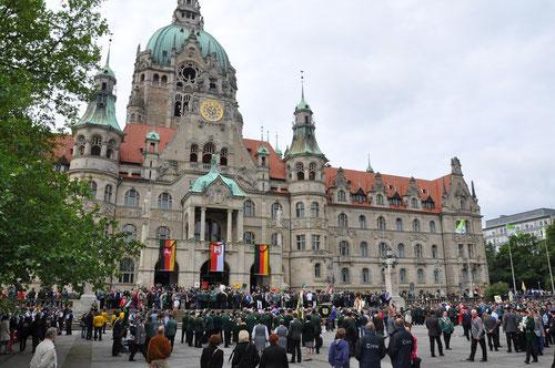 Trammplatz vor dem Neuen Rathaus ( 100 Jahre / 1913 - 2013 )