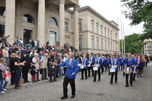 Vor dem Nds. Landtag in Hannover