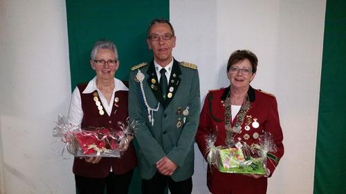 v.l.n.r. Ella Wiering, Jürgen Graf und Elfriede Söhl. Foto: Graf