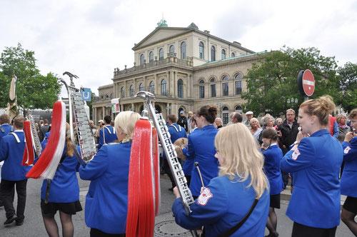 Vor der Oper in Hannover