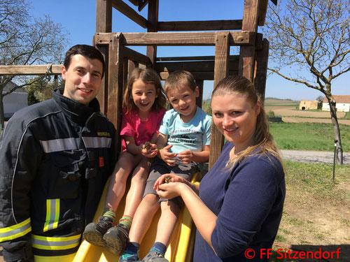 Feuerwehr, Blaulicht, Tierrettung, Entenküken, Ente, FF Sitzendorf