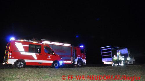 Feuerwehr, Blaulicht, A2, Wiener Neudorf, LKW, Wind