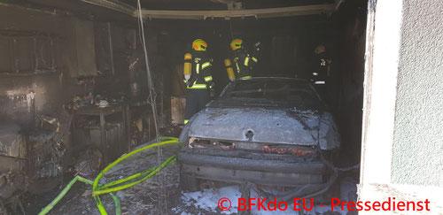 Feuerwehr, Blaulicht, Brand, PKW, Garage, Leithaprodersdorf, BFKDO EU