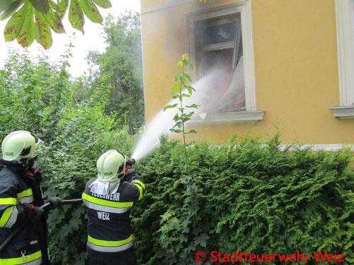 Feuerwehr, Blaulicht, Weiz, Brand, Lokal, Menschenrettung