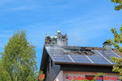 Feuerwehr, Blaulicht, Wohnhausbrand, Brand, Haibach, BFKDO Urfahr-Umgebung