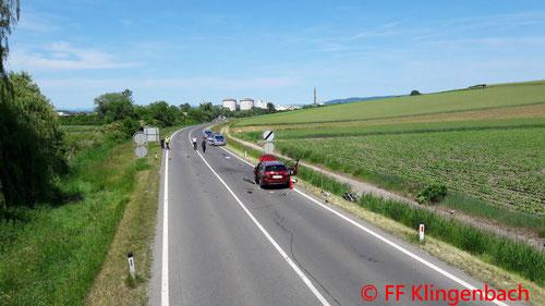Feuerwehr, Blaulicht, FF Klingenbach, Unfall, PKW, Motorrad, B16