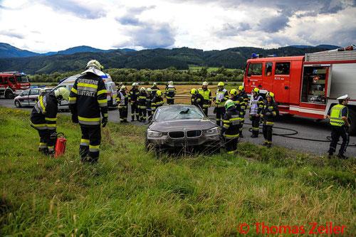 Feuerwehr, Blaulicht, St. Marein, Verkehrsunfall, PKW