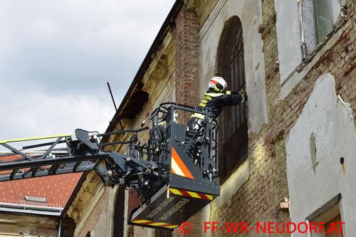 Feuerwehr, Blaulicht, FF Wiener Neudorf, Verkehrsunfall, SCS
