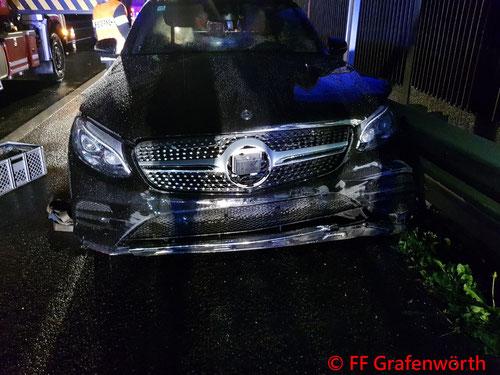 Feuerwehr; Blaulicht; FF Grafenwörth; PKW; Verkehrsunfall; S5; Fahrtrichtung Wien;
