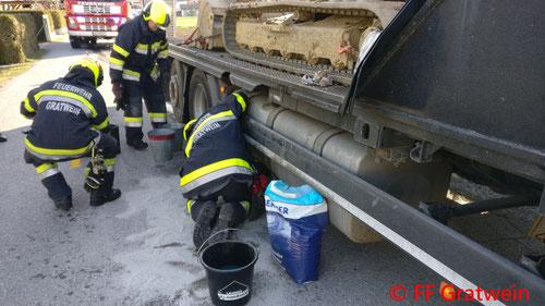Feuerwehr, Blaulicht, LKW, Schadstoffaustritt, Gratwein