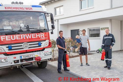 Feuerwehr; Blaulicht; FF Kirchberg am Wagram; Brand; Nachbarschaftshilfe; Zivil;