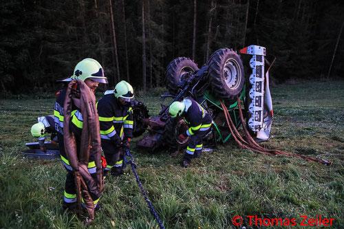 Feuerwehr; Blaulicht; BFV Knittelfeld; Unfall; Traktor; Überschlag; FF Seckau;