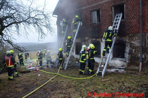 Feuerwehr; Blaulicht; BFKDO Urfahr-Umgebung; Brand; Alberndorf;