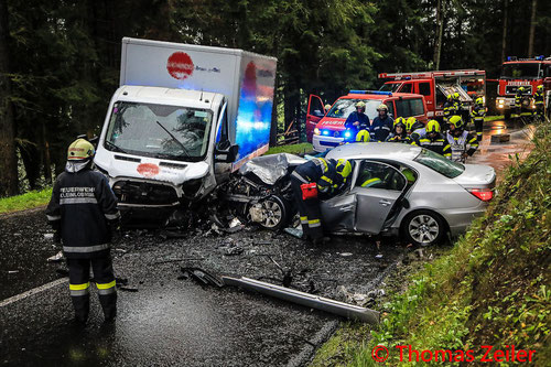 Feuerwehr, Blaulicht, BFV Knittelfeld, Unfall, PKW, LKW, Gaberl, B77