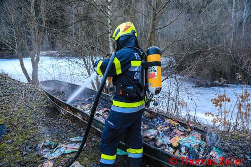 Feuerwehr; Blaulicht; BFV Knittelfeld; Großlobming; Boot; Brand;