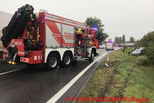 Feuerwehr; Blaulicht; FF Wiener Neudorf;