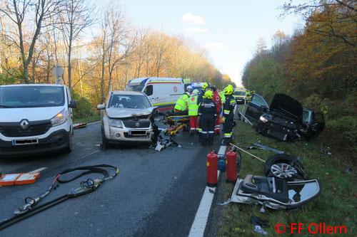 Feuerwehr; Blaulicht; FF Ollern; Unfall; PKW; Riederberghöhe; Frontalzusammenstoß;