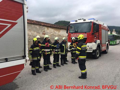 Feuerwehr, Blaulicht, Grundausbildung, Weiße Fahne, BFVGU Abschnitt 6