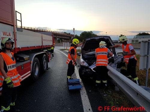 Feuerwehr, Blaulicht, FF Grafenwörth, Verkehrsunfall, Abfahrt, S5
