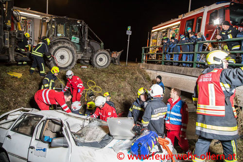 Feuerwehr; Blaulicht; FF Ollern; Übung; Einsatzübung; Rotes Kreuz; ASBOE;