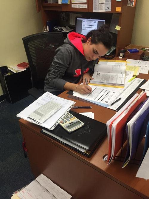 Emma Cenzon firma per il Broward College (Florida)