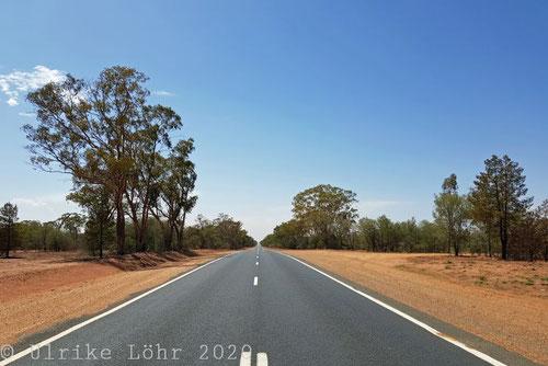 On the Road (hier unterwegs in die Flinders Ranges, Australien)