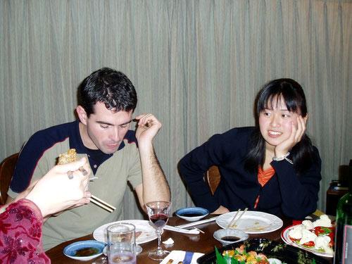 納豆を試食中のAlberto Nose