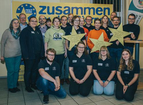 Die Vertreter der Buxtehuder Jugendverbände (DLRG Jugend, Stadtjugendring, Jugendrotkreuz & THW Jugend) gemeinsam mit Martin Buschmann MdEP