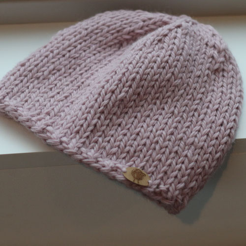 Strickanleitung für eine Mütze aus Wolle von Erika Knight