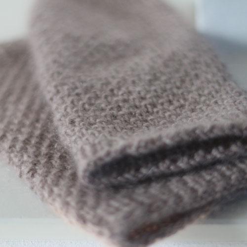 Strickanleitung für Handstulpen aus Wolle von Lamana