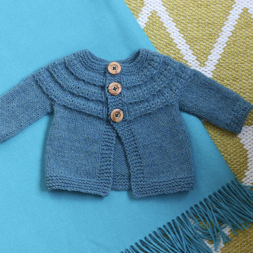 Strickanleitung Cardigan Hyphen von Lisa Chemery gestrickt mit Wolle von Rosy Green Wool